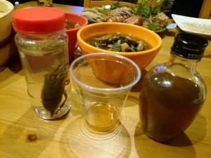 サルミアッキ酒とタガメ酒