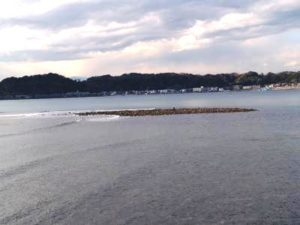 大潮で干潮の和賀江島